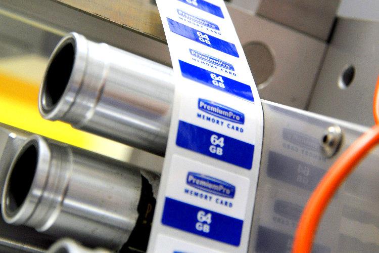 Fertigung/Konfektionierung von Speicherkarten in kundeneigener Aufmachung